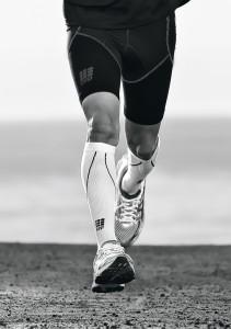 Läufer mit CEP Kompressionsstrümpfen