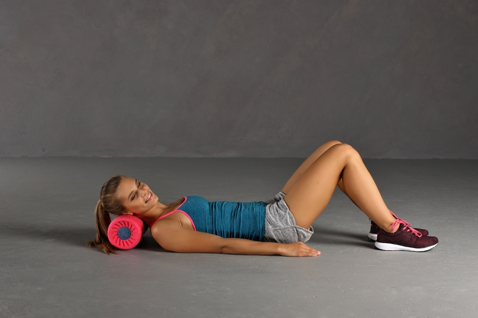 Faszienrolle Übung Nackenmuskulatur