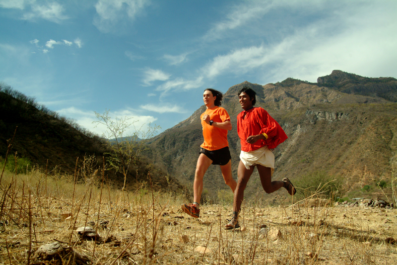 Scott Jurek mit Tarahumara