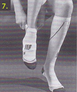 sportkompressionsstruempfe-anziehen-schritt-7
