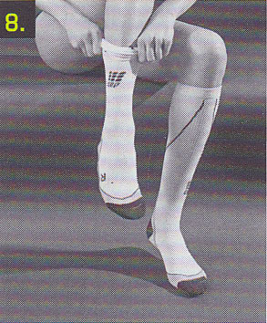 sportkompressionsstruempfe-anziehen-schritt-8